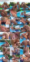 10664182_lesbohoneys_v12005_may_sophie_paris_s.jpg